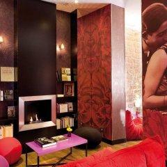 Hotel Montmartre Mon Amour развлечения