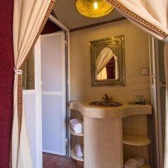 Отель Galaxy Desert Camp Merzouga Марокко, Мерзуга - отзывы, цены и фото номеров - забронировать отель Galaxy Desert Camp Merzouga онлайн ванная