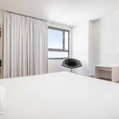 Отель Ilunion Valencia 3 Валенсия комната для гостей