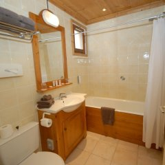 Отель Le Sherpa Val Thorens Hôtels-Chalets de Tradition ванная