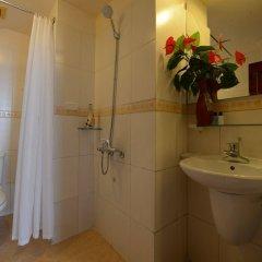 Отель The Artisan Lakeview Hotel Вьетнам, Ханой - 2 отзыва об отеле, цены и фото номеров - забронировать отель The Artisan Lakeview Hotel онлайн ванная