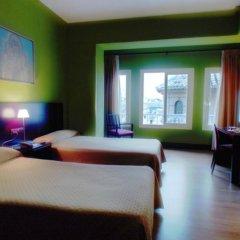 Отель Carlos V комната для гостей фото 3