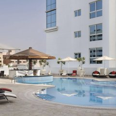 Отель Hyatt Place Dubai Al Rigga Residences бассейн фото 2