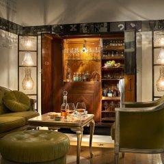 Отель House of Time - Fancy Suite Vienna Австрия, Вена - отзывы, цены и фото номеров - забронировать отель House of Time - Fancy Suite Vienna онлайн гостиничный бар