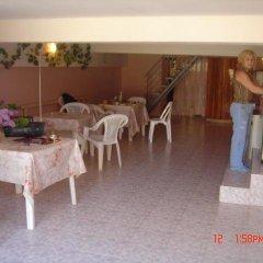 Гостиница Guest House Anastasiya в Анапе отзывы, цены и фото номеров - забронировать гостиницу Guest House Anastasiya онлайн Анапа питание фото 3