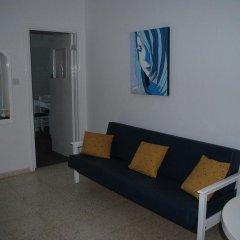 Апартаменты Flisvos Beach Apartments комната для гостей фото 5
