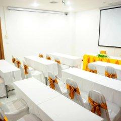 Отель Peach Blossom Resort Пхукет помещение для мероприятий