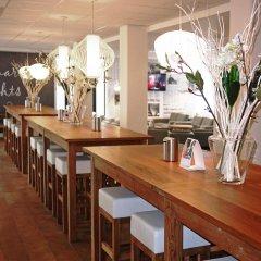 Отель Holiday Inn Express Amsterdam - Schiphol гостиничный бар