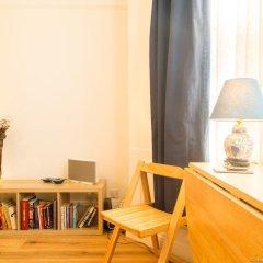 Отель Bright and Spacious 1 Bedroom Flat With Garden Брайтон удобства в номере