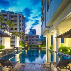 Отель Grande Centre Point Hotel Ploenchit Таиланд, Бангкок - 3 отзыва об отеле, цены и фото номеров - забронировать отель Grande Centre Point Hotel Ploenchit онлайн бассейн