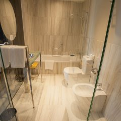 Отель Plaza Испания, Ла-Корунья - отзывы, цены и фото номеров - забронировать отель Plaza онлайн ванная фото 2