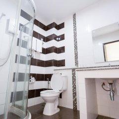 Baan Phor Phan Hotel ванная