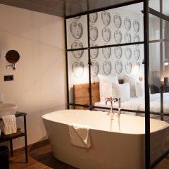 Отель Shota@Rustaveli Boutique hotel Грузия, Тбилиси - 5 отзывов об отеле, цены и фото номеров - забронировать отель Shota@Rustaveli Boutique hotel онлайн ванная