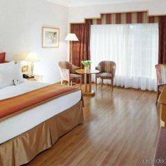 Отель Crowne Plaza Abu Dhabi комната для гостей фото 4