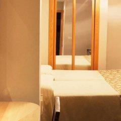 Отель Universal комната для гостей фото 5