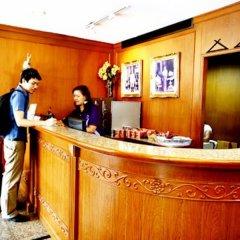 Отель Sawasdee Langsuan Inn Бангкок интерьер отеля