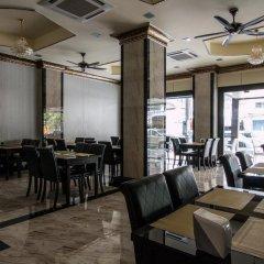 Nida Rooms Regal Marble Hotel гостиничный бар