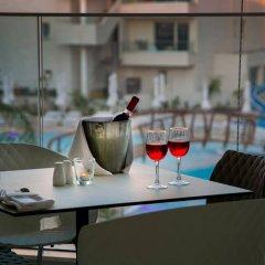 Vangelis Hotel & Suites Протарас гостиничный бар
