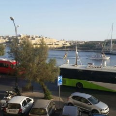Отель Sliema Strand Мальта, Слима - отзывы, цены и фото номеров - забронировать отель Sliema Strand онлайн парковка