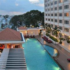 Отель Equatorial Ho Chi Minh City Вьетнам, Хошимин - отзывы, цены и фото номеров - забронировать отель Equatorial Ho Chi Minh City онлайн бассейн фото 3