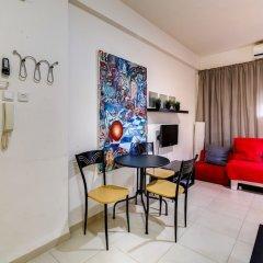 Central Apartment next to Dizengoff St. Израиль, Тель-Авив - отзывы, цены и фото номеров - забронировать отель Central Apartment next to Dizengoff St. онлайн комната для гостей фото 3