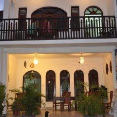 Отель Thenu Rest Guest House питание