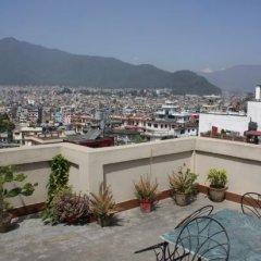 Отель Kathmandu Friendly Home Непал, Катманду - отзывы, цены и фото номеров - забронировать отель Kathmandu Friendly Home онлайн бассейн
