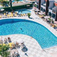 Отель Muthu Oura Praia Hotel Португалия, Албуфейра - 1 отзыв об отеле, цены и фото номеров - забронировать отель Muthu Oura Praia Hotel онлайн бассейн фото 3