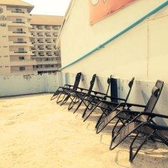 Отель Jomtien Beach Guesthouse Паттайя спортивное сооружение