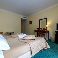 Отель Churchill комната для гостей фото 3