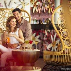 Отель Barcelo Bavaro Beach - Только для взрослых - Все включено Доминикана, Пунта Кана - 9 отзывов об отеле, цены и фото номеров - забронировать отель Barcelo Bavaro Beach - Только для взрослых - Все включено онлайн гостиничный бар