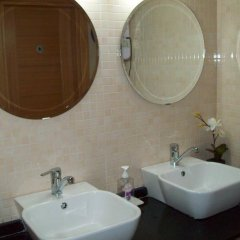 Lonca Hotel ванная