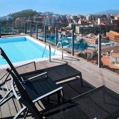 Отель Catalonia Park Güell бассейн