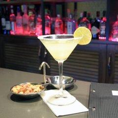 Отель Mien Suites Istanbul гостиничный бар