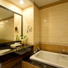 Отель Welcome World Beach Resort & Spa Таиланд, Паттайя - отзывы, цены и фото номеров - забронировать отель Welcome World Beach Resort & Spa онлайн ванная фото 2