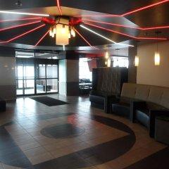Отель Grand Times Hotel Quebec City Airport Канада, Л'Ансьен-Лорет - отзывы, цены и фото номеров - забронировать отель Grand Times Hotel Quebec City Airport онлайн интерьер отеля фото 3
