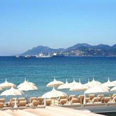 Отель Residhotel Les Coralynes Франция, Канны - 9 отзывов об отеле, цены и фото номеров - забронировать отель Residhotel Les Coralynes онлайн пляж