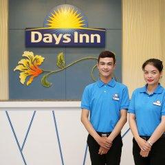 Отель Days Inn by Wyndham Patong Beach Phuket Таиланд, Карон-Бич - 1 отзыв об отеле, цены и фото номеров - забронировать отель Days Inn by Wyndham Patong Beach Phuket онлайн интерьер отеля