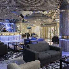 Отель HF Fénix Porto Португалия, Порту - отзывы, цены и фото номеров - забронировать отель HF Fénix Porto онлайн гостиничный бар
