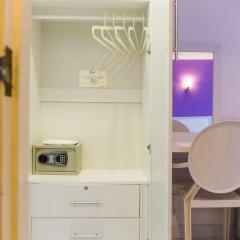 Hotel Zing сейф в номере