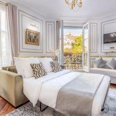 Отель Sunshine 2 bedroom - Luxury at Louvre Париж комната для гостей фото 3