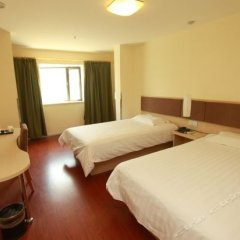 Отель Motel 168 Chengdu ShuangQiao Road Inn Китай, Чэнду - отзывы, цены и фото номеров - забронировать отель Motel 168 Chengdu ShuangQiao Road Inn онлайн комната для гостей фото 2