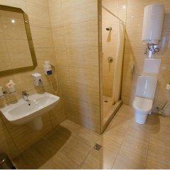 Гостиница Амарис в Великих Луках 6 отзывов об отеле, цены и фото номеров - забронировать гостиницу Амарис онлайн Великие Луки ванная фото 2