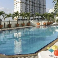 First Hotel бассейн