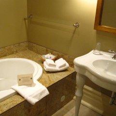 Отель Prior Castle Inn Канада, Виктория - отзывы, цены и фото номеров - забронировать отель Prior Castle Inn онлайн ванная