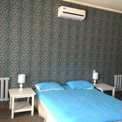 Отель Клуб Стрелецъ Кыргызстан, Бишкек - отзывы, цены и фото номеров - забронировать отель Клуб Стрелецъ онлайн комната для гостей фото 2