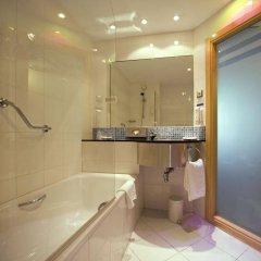 Отель Holiday Inn Express Malaga Airport Испания, Малага - 1 отзыв об отеле, цены и фото номеров - забронировать отель Holiday Inn Express Malaga Airport онлайн ванная