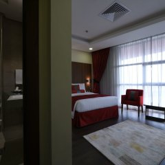 Отель Ramada Encore Kuwait Downtown комната для гостей