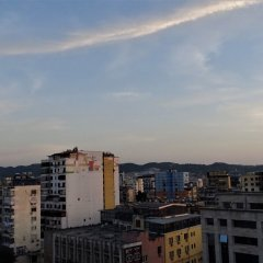 Отель Idea Hotel Албания, Тирана - отзывы, цены и фото номеров - забронировать отель Idea Hotel онлайн балкон