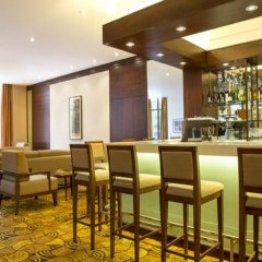 Отель Hilton Garden Inn Hanoi гостиничный бар